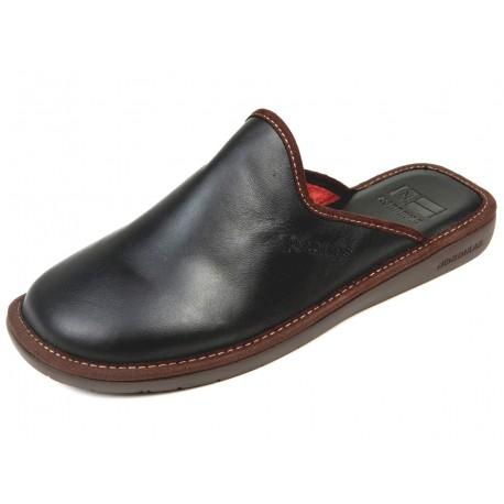 131 Black leather Nordikas